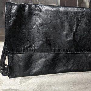 M0851 Flap Wristlet Black Leather Clutch